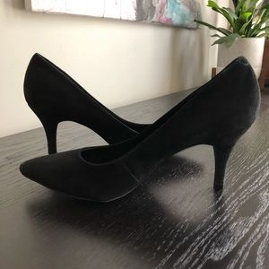 BCBG Black Suede Point Toe Ollee Pump size 8B